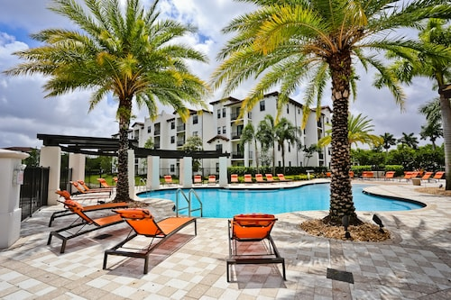 Doral Dolphin Mall Apartments by NUOVO