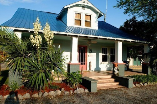 The Island Guest House & Cottages