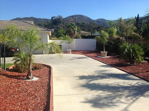 Great Place to stay The Southern California Very Exclusive Semi Secluded Get-away Over 4,000 Sqft near Corona