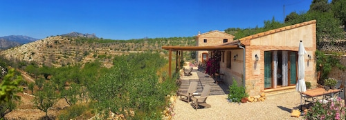 Idyllic Holiday Home in the Midst of Nature, Discover Authentic Spain Oliva