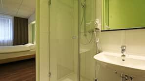 Dusche, kostenlose Toilettenartikel
