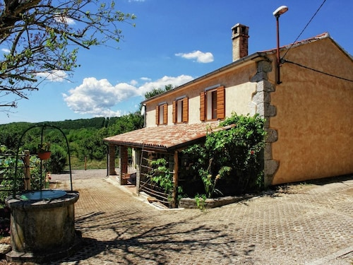 Peaceful Decorated Istrian House With Pool, Wifi, Airco, Parking, Panoramic View