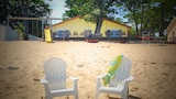 Gold Coast Family Cottages - Oscoda Hotels