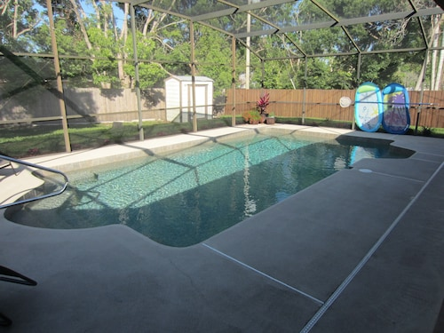 The Perfect Home Base for Exploring Florida! 3br, 2BA Executive Home With Pool