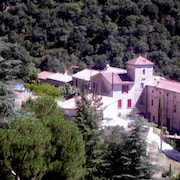 Holiday Cottage / Unusual Holiday Apartment for 4 or 6 People in Gard mas
