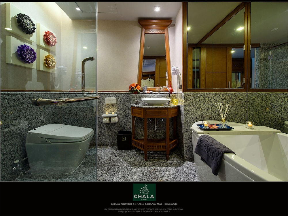 Bathroom, Chala Number 6 Hotel