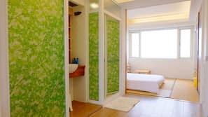 窗簾、摺床/加床 (收費)、免費 Wi-Fi