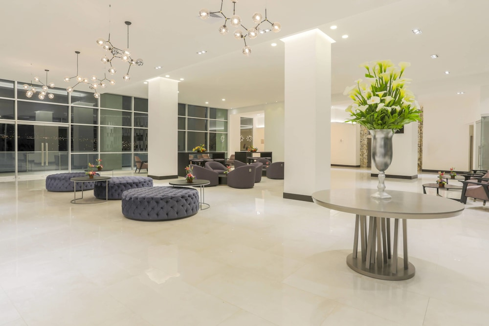 Lobby, Four Points By Sheraton Cuenca