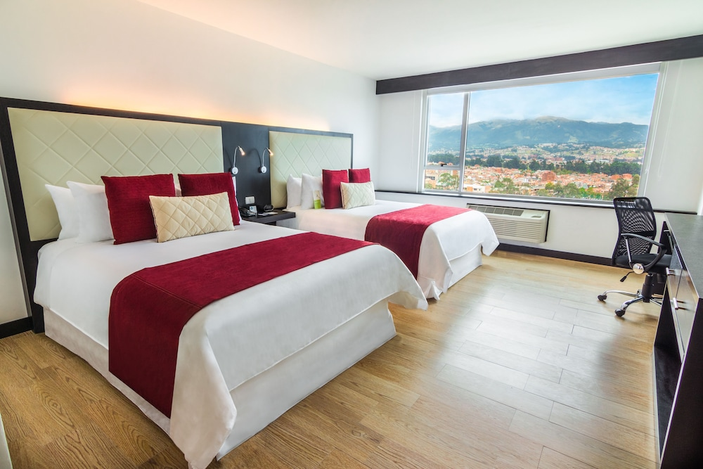 Room, Four Points By Sheraton Cuenca