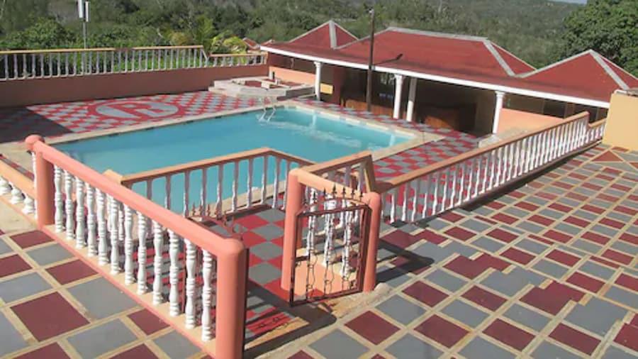 Paradise Reggae Resort