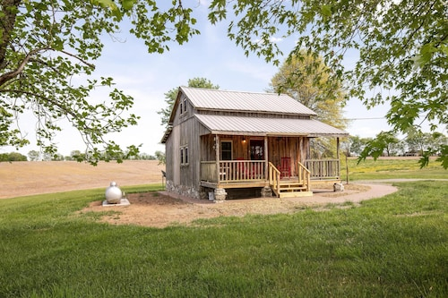 Peachy Best Cabins In Mount Juliet For 2019 Find Cheap 93 Cabins Home Interior And Landscaping Spoatsignezvosmurscom