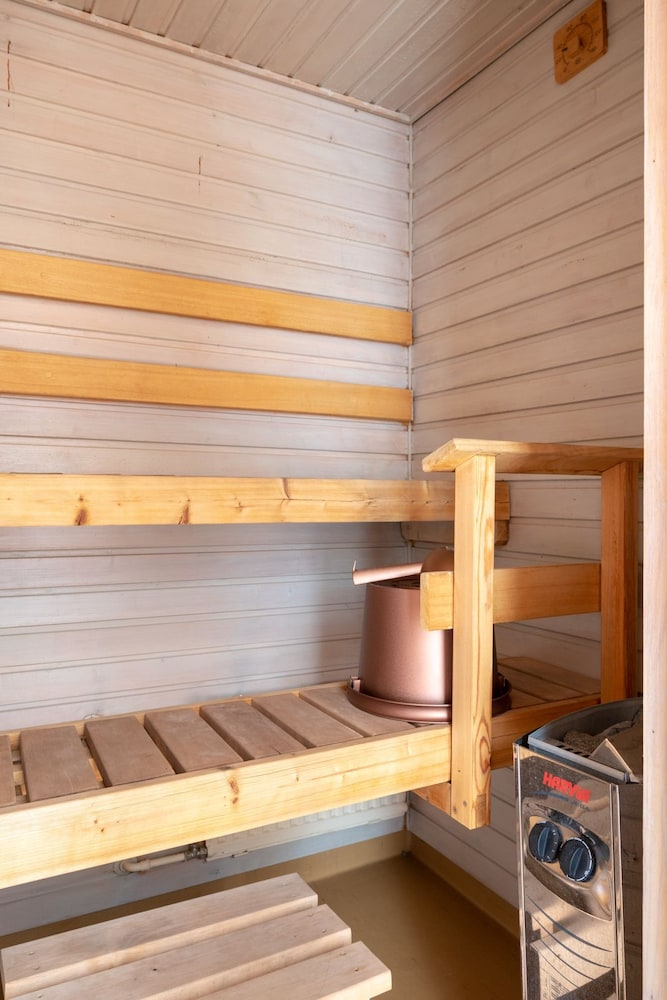 Sauna, Hiisi Homes Nummela - Easy access to cross-country skiing