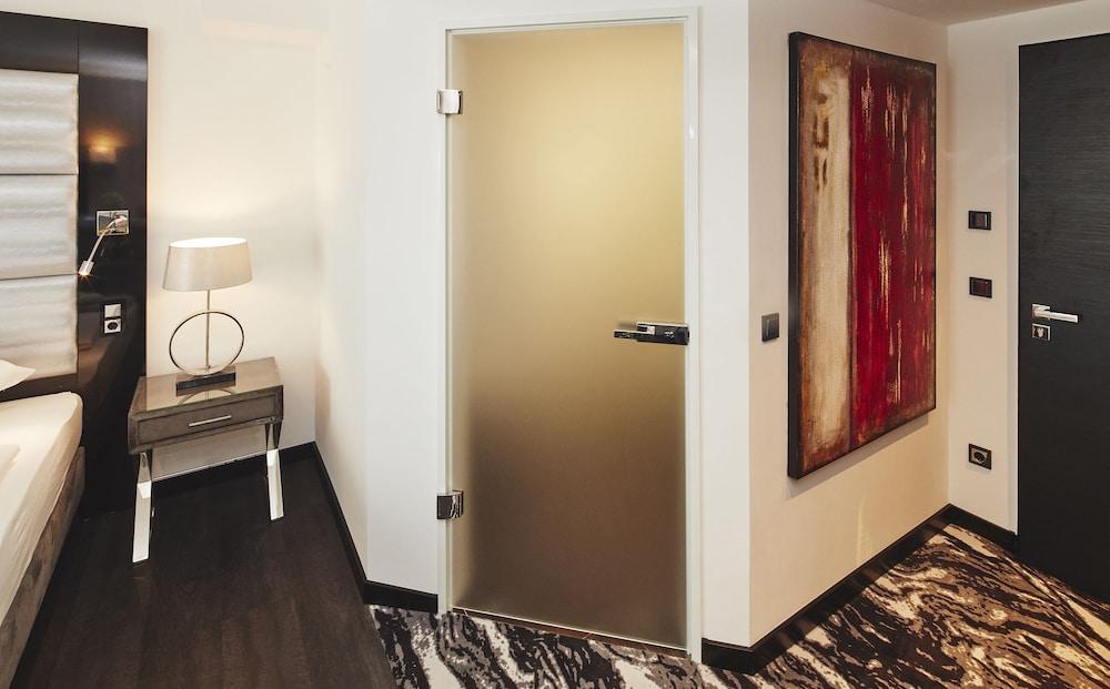Kurhaus design boutique hotel deals reviews erwitte for Design boutique hotel kurhaus salinenparc