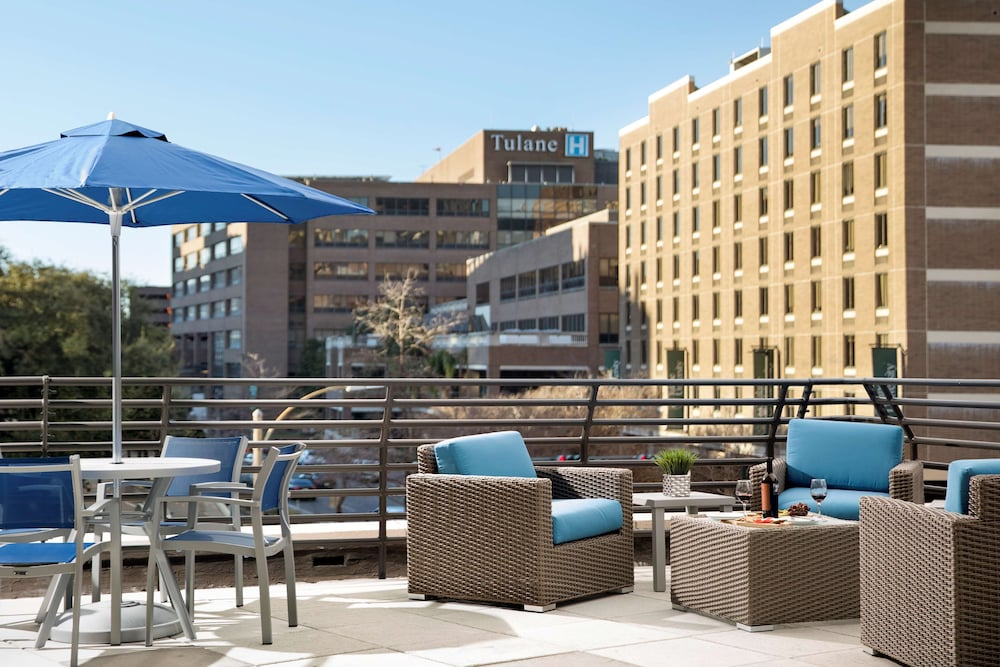 Rooftop terrace, Sonesta ES Suites New Orleans