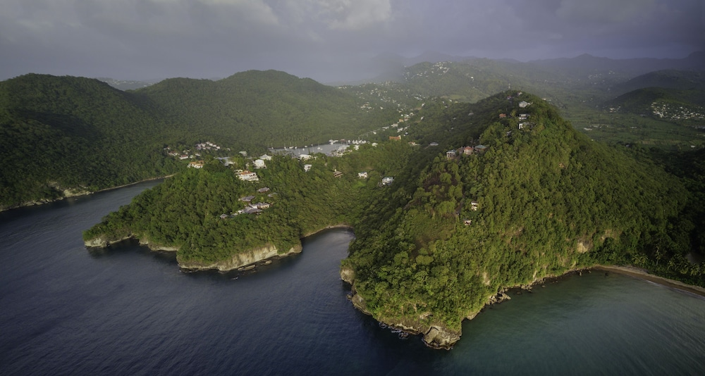 , The Treehouse Marigot Bay - Hummingbird Hangout With Spectacular sea Views!