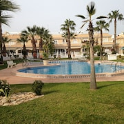 Large two Bedroom Apartment Overlooking Magnificent Communal Pool & Gardens