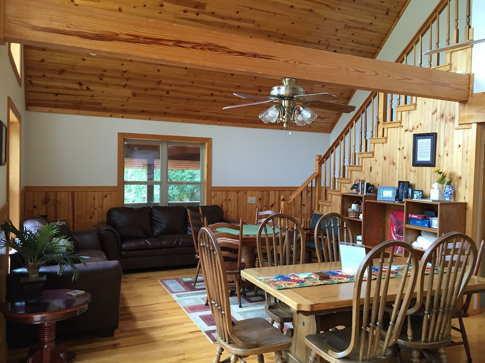 Joe S Golf Lake Getaway Cabin On Tannenbaum Course And Greers Ferry 2017 Room Prices Deals Reviews Expedia