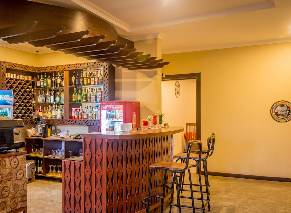 Bar, Airport Planet Lodge at Kilimanjaro Airport