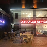 Akyuz Rooming House