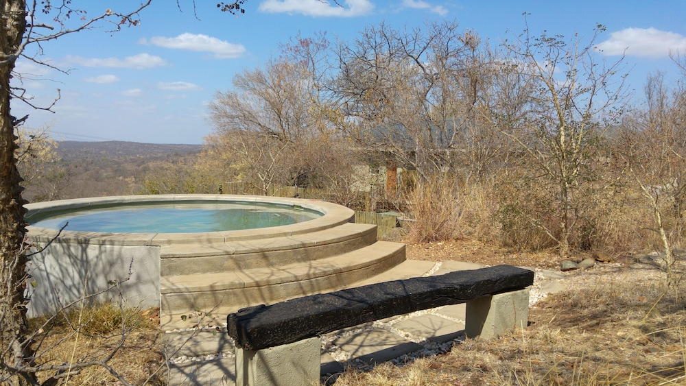 Property Grounds, IsiLimela Game Lodge