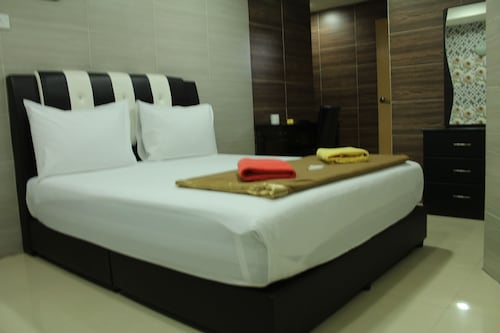 New Wave Hotel Melawati
