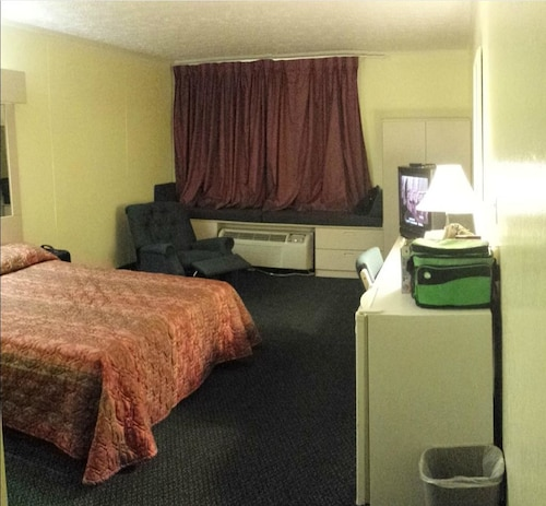 Check Expedia for Availability of Americas Best Inn