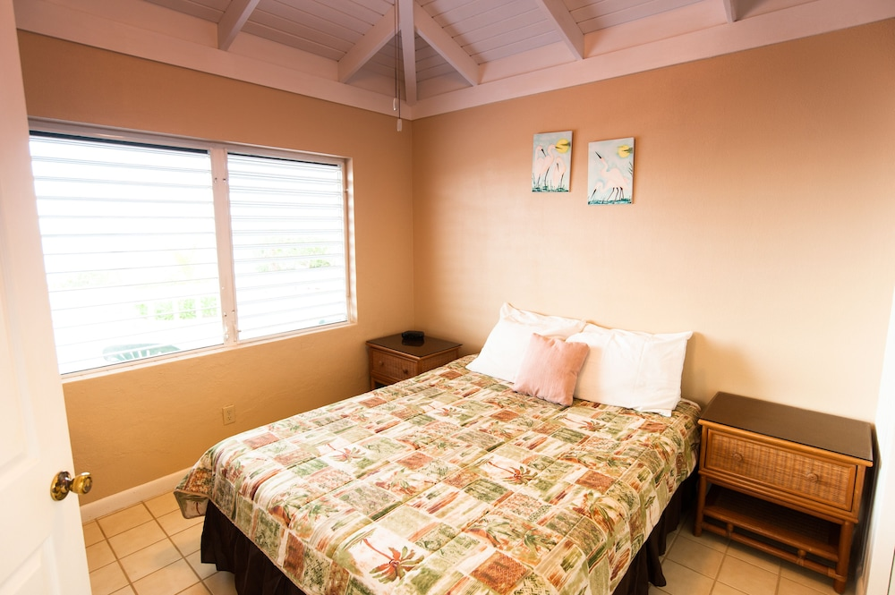 Room, Caribbean Sea Breeze Villas
