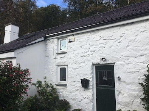 Beautiful Wales Snowdonia 200 Year Old Detached Cottage