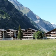 Super Renovated Apartment in Täsch Near Zermatt, With Pool and Sauna