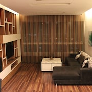 KK Holiday Homestays Tower A