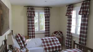 6 bedrooms, premium bedding, free cribs/infant beds, free WiFi