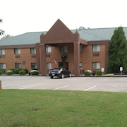 Heritage Place Inn & Suites