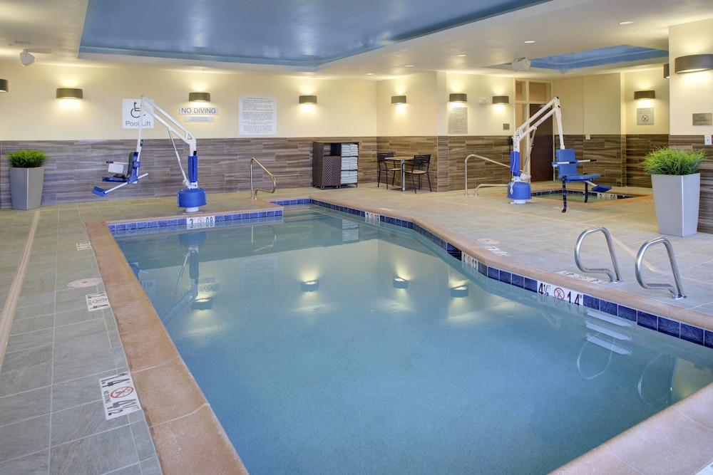 Pool, Fairfield Inn & Suites by Marriott Flagstaff Northeast