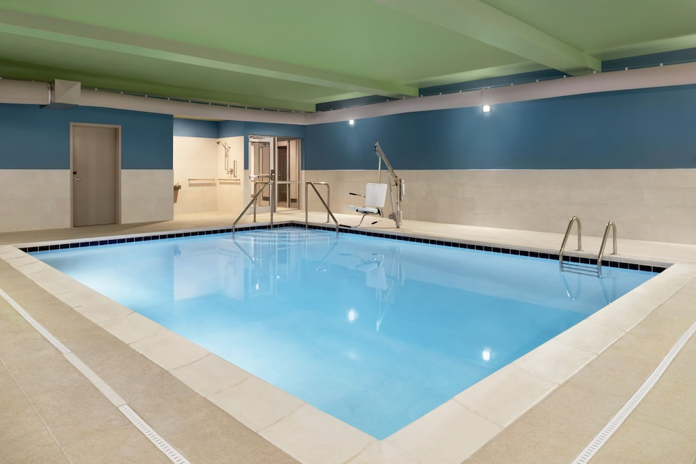 Indoor Pool, Holiday Inn Express And Suites-Cincinnati South - Wilder