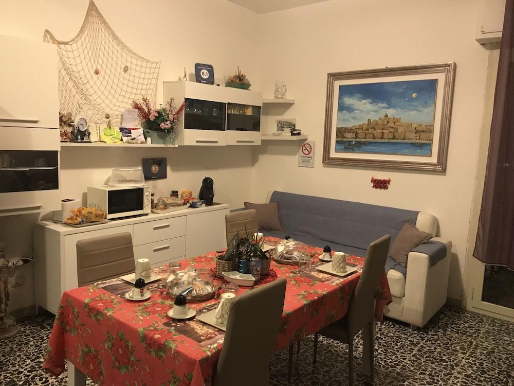 Buffet Italiano Cagliari : B b cagliari ariosto cagliari ita best price guarantee lastminute
