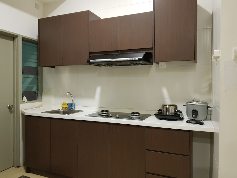 Private Kitchen, Play Residence at Golden Hills