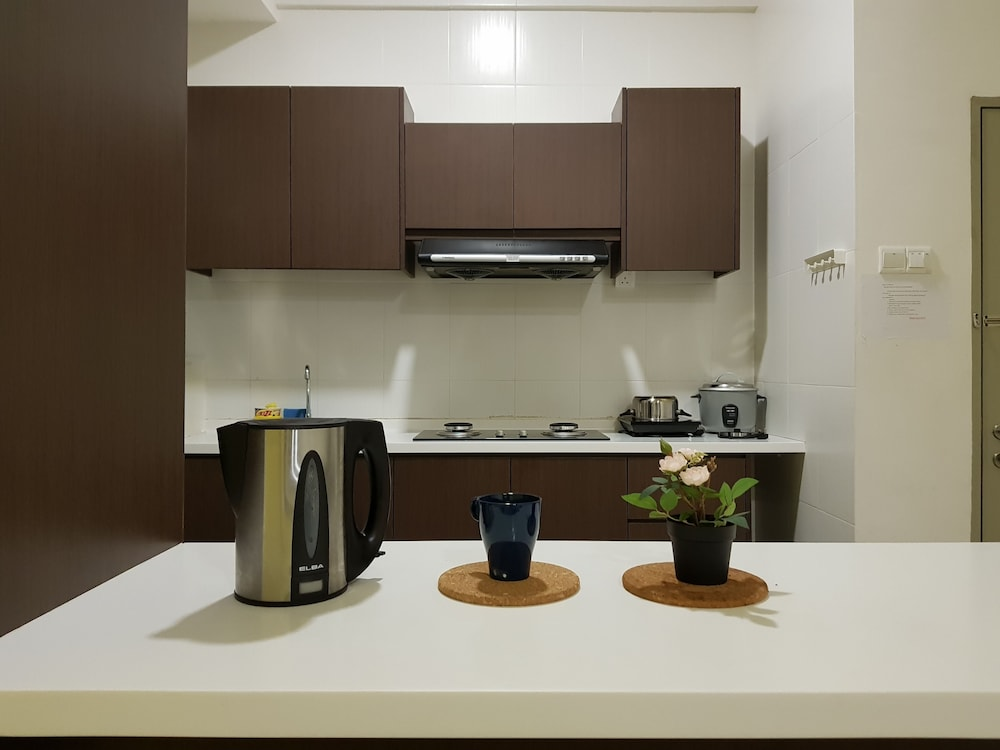 Private Kitchenette, Play Residence at Golden Hills