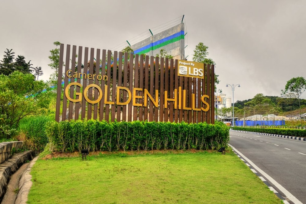 Property Grounds, Play Residence at Golden Hills