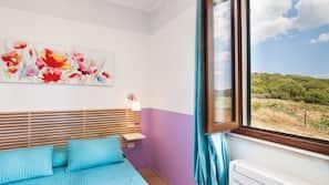 高档床上用品、书桌、婴儿床(额外收费)、折叠床/加床(额外收费)