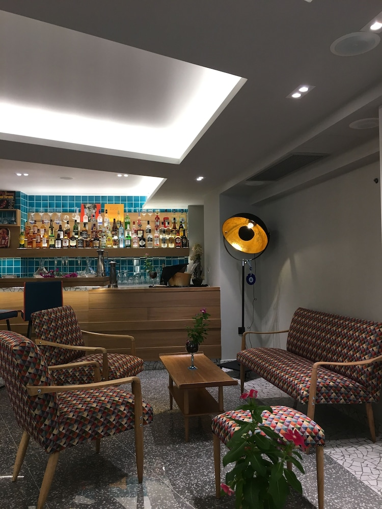 Lobby Sitting Area, 360 Degrees Pop Art Hotel