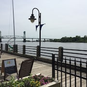 Luxury First Floor Condo on the River-million Dollar View!