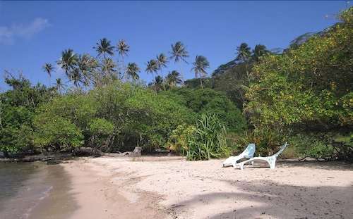 Beach, Fare Oviri Lodge