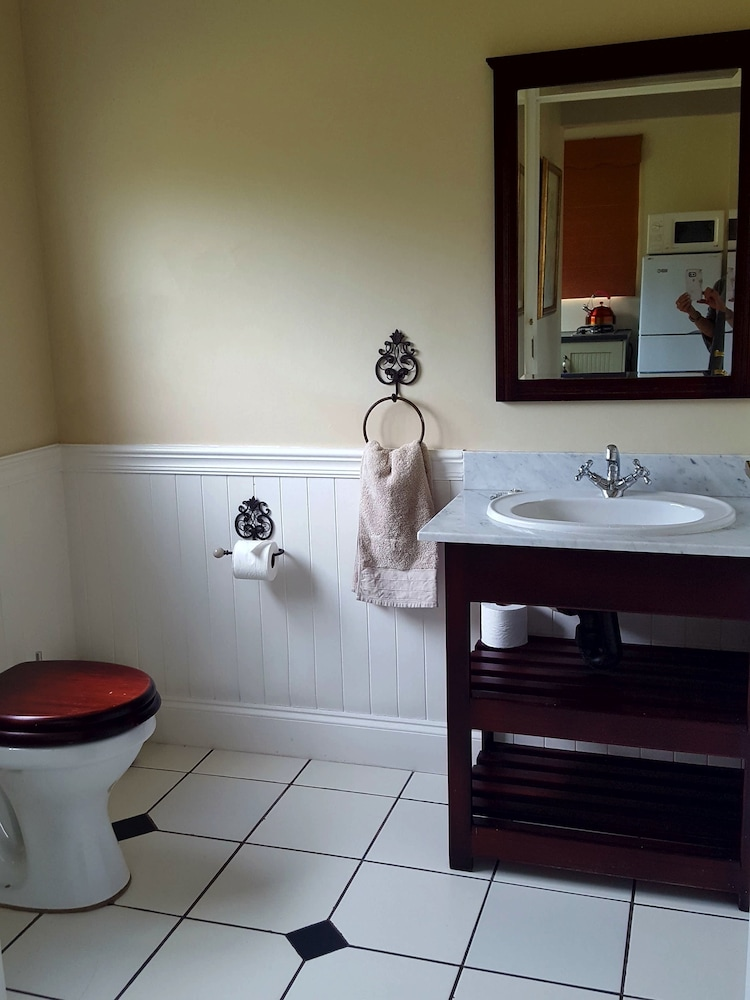 Bathroom, Rearsby Farm