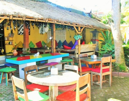 The Happy Mango Tree - Hostel