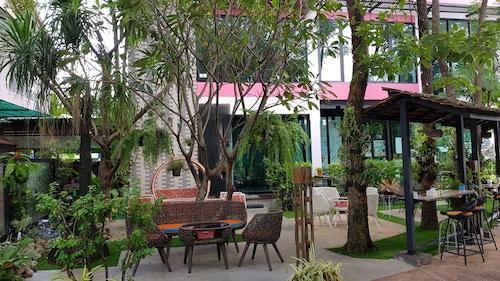 Coffee Station Hostel