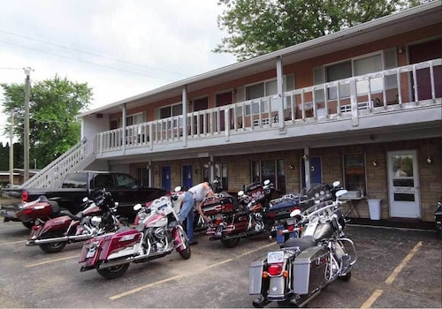 Check Expedia for Availability of L&M Bikers Motel