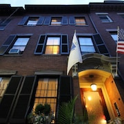 *fort Hill Inn*best Value in Boston! Private Guest Room/bath* Minutes to Center