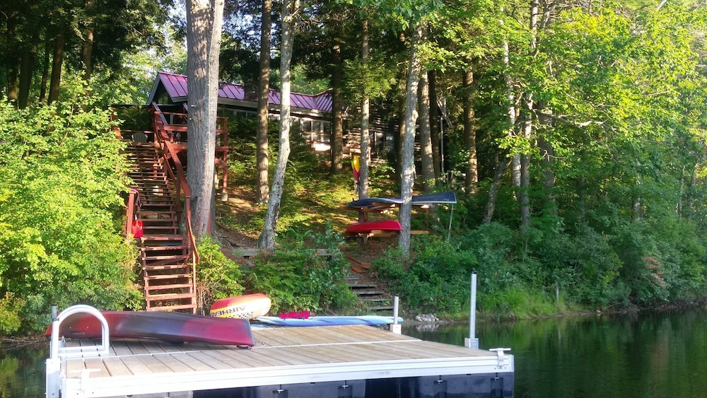 Property Grounds, Beautiful Lakefront log Home Nestled in the Pines
