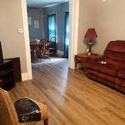 3 Bdrm + Loft Area Home Just Mins From Old Market, Downtown, zoo and Much More!