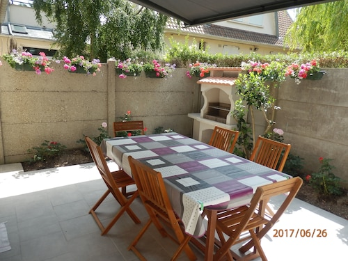 Le Crotoy Rents House / Cottage 40 m From the Beach